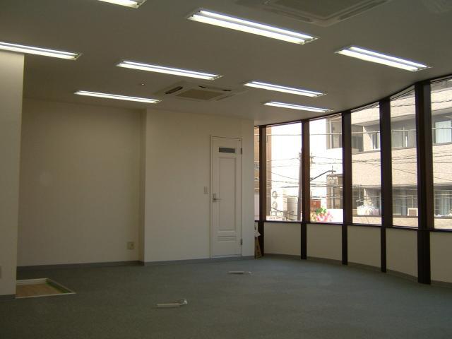 コンサートホール改装事務所