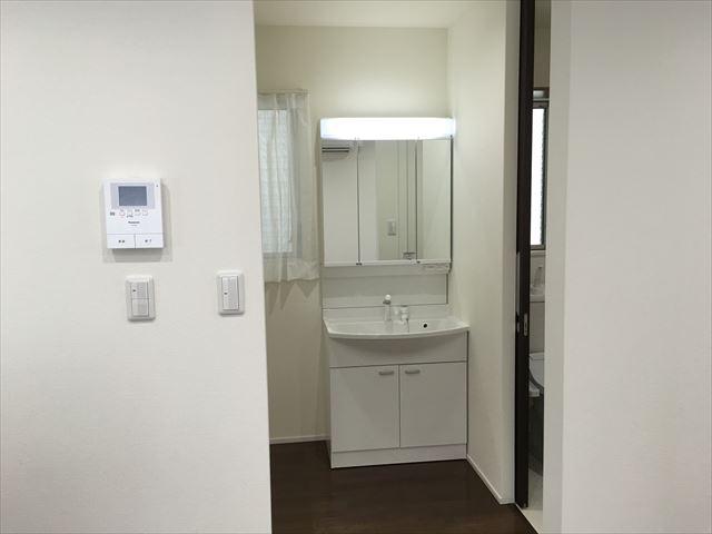 三面鏡洗面化粧台