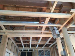 長泉町新築工事 天井にキッチン換気ダクト設置です