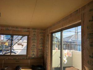長泉町新築工事 天井ボードクロス下地張りです