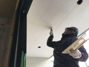 長泉町 下長窪マイホーム新築注文住宅 玄関ポーチの軒天井の下地処理です