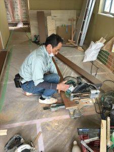 長泉町 下長窪マイホーム新築注文住宅 階段部材加工中