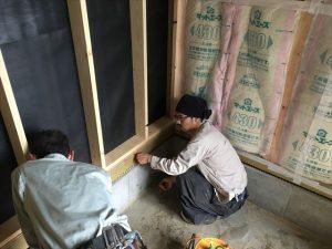 長泉町 下長窪マイホーム新築注文住宅 床の高さの打合せ中です