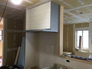 長泉町 下長窪マイホーム新築注文住宅  キッチン換気扇組立です