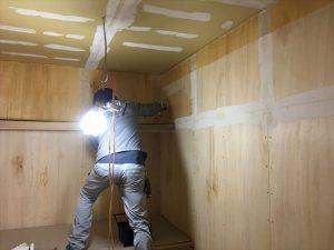 長泉町 下長窪マイホーム新築注文住宅  べニア下地にシーラー塗りです