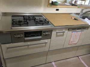 長泉町 下長窪マイホーム新築注文住宅  キッチン組立です