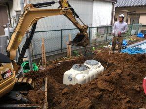 長泉町 下長窪マイホーム新築注文住宅 浄化槽を据え付けています