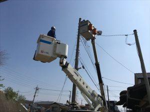 長泉町 下長窪マイホーム新築注文住宅 東京電力が仮設電気をつなぎ変えに来ました