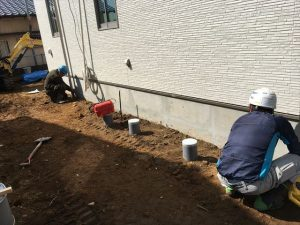 長泉町 下長窪マイホーム新築注文住宅 奥の方を高くして水勾配を取ります