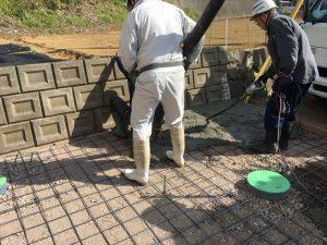 長泉町 下長窪マイホーム新築注文住宅 駐車場コンクリート打ち ②