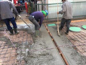 長泉町 下長窪マイホーム新築注文住宅 コンクリート流し込み目地見切り