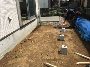 長泉町 下長窪マイホーム新築注文住宅 南側ウッドデッキ準備