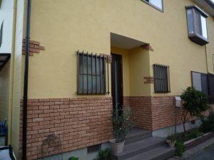 沼津市で外壁を塗替え玄関面には重厚感あるレンガ調タイル