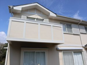 裾野市で外壁屋根塗装 下地に防カビ塗料使用シリコン塗料で仕上げ